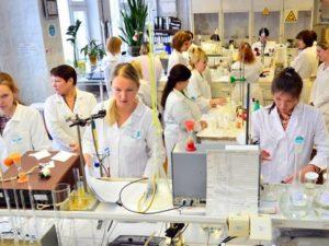 специальности связанные с биологией