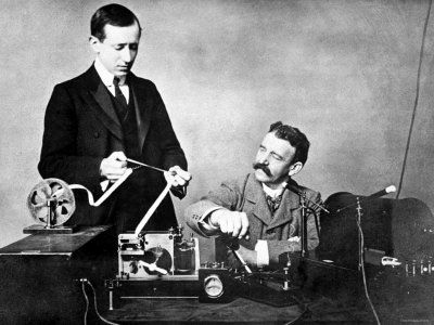 Год изобретения радиосвязи