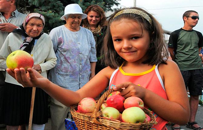 Яблоки на Спас